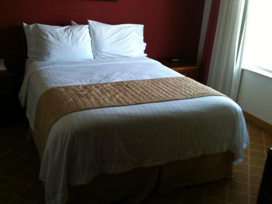 Residence Inn Austin / Round Rock: Bed