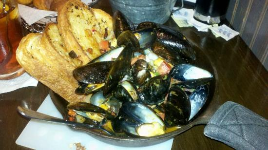 Ashburn, VA: Angry Mussels - entree sized