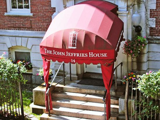 ‪‪John Jeffries House‬: Hotel Awning‬