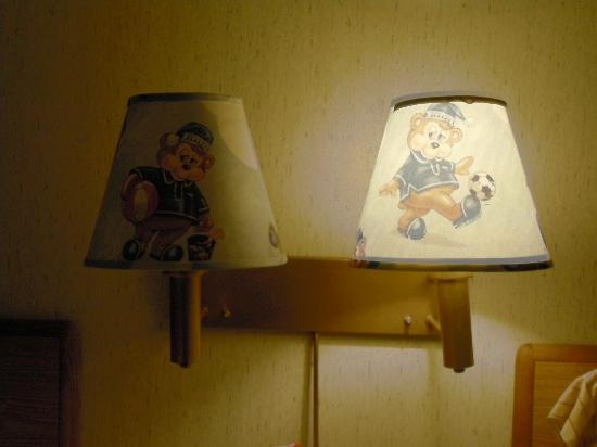 "Travelodge Wall Spring Lake Belmar: ""Sleepy"" bear decor"