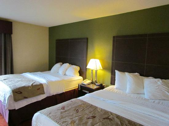 La Quinta Inn Pigeon Forge: Double Queen Room