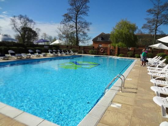 301 moved permanently for Outdoor swimming pools in england
