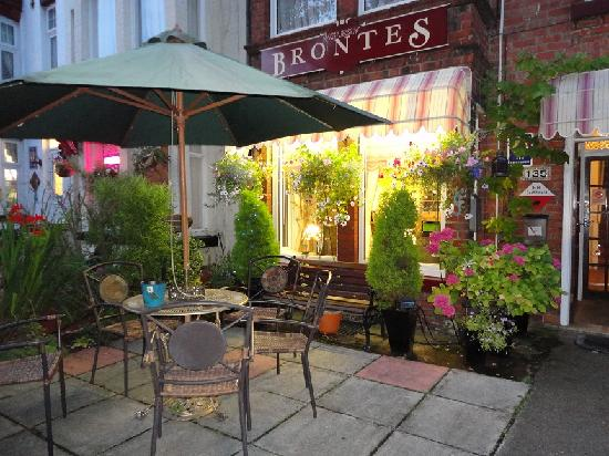 Brontes Guest House: the patio