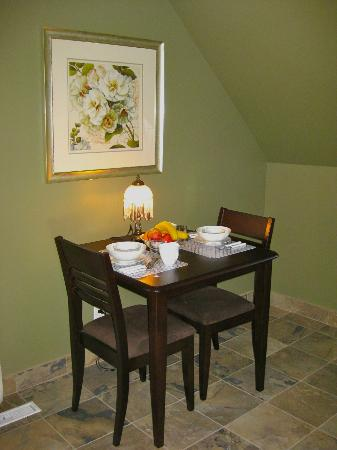 Restingplace Bed &amp; Breakfast: Private dining area