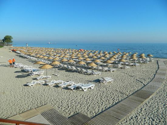 Sultan Palace Hotel: The beach at Florya (25 mins by train)