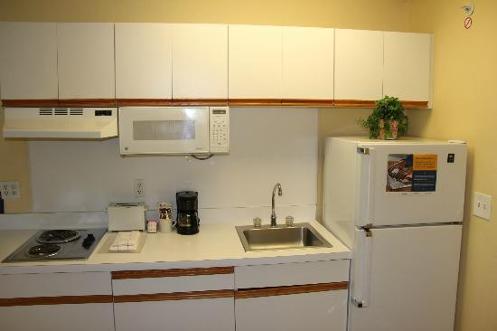 Kitchen Picture Of Extended Stay America Kansas City Country Club Plaza Kansas City