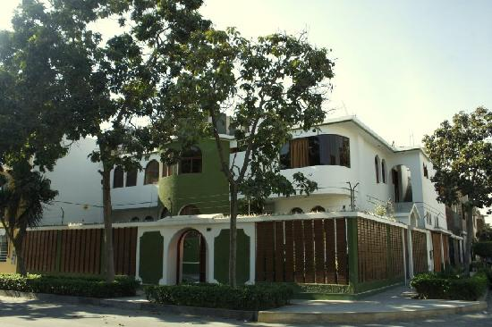 Photo of Lynik La Casa De Blanca Lima