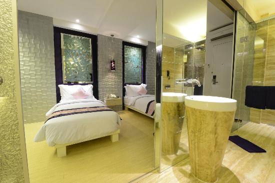 Grand Mega Resort &amp; Spa Bali: Deluxe Room Twin