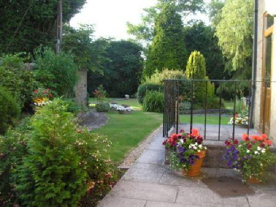 Alveston House Hotel: Beautiful walled gardens