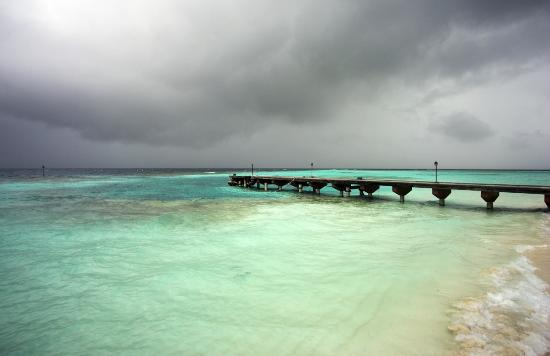 Embudu Village: Jetty as a monsoon moves in