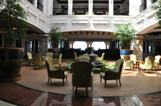 Lake Victoria Serena Resort: Hotel lobby