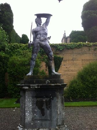 Γούντστοκ, UK: statue in the gardens