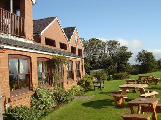 Cliffemount Hotel: Garden and Balcony rooms