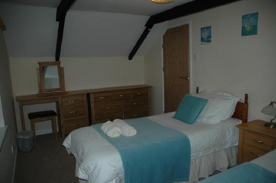 Nanplough Country House & Cottages: Cottage bedroom