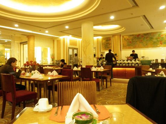 Beijing Friendship Hotel: buffet breakfast in building no.1