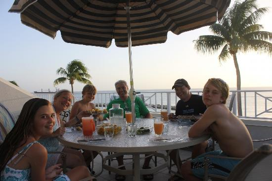 Sunset Cove: Dining on our deck at sunset