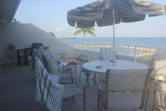 Sunset Cove: ANother view of the balcony with grill