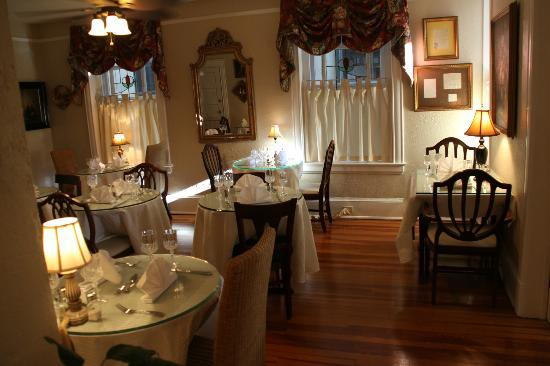 Inn On Charlotte: Inn Dinning Room