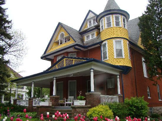 Photo of A Moment In Time Bed & Breakfast Niagara Falls