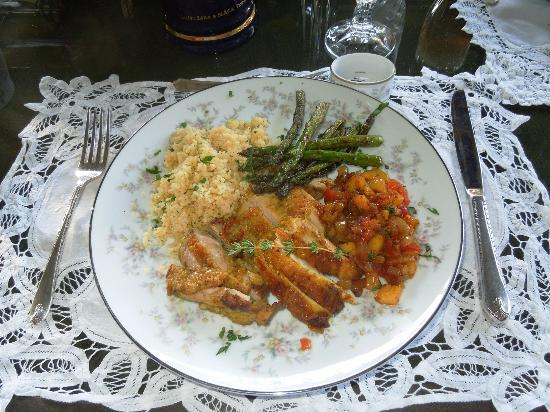 The Pines of Dresden Bed and Breakfast: Delicious meal created by Marin and served by Ali