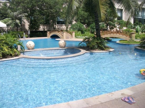 Radisson Blu Hotel Cebu: Beautiful Pool