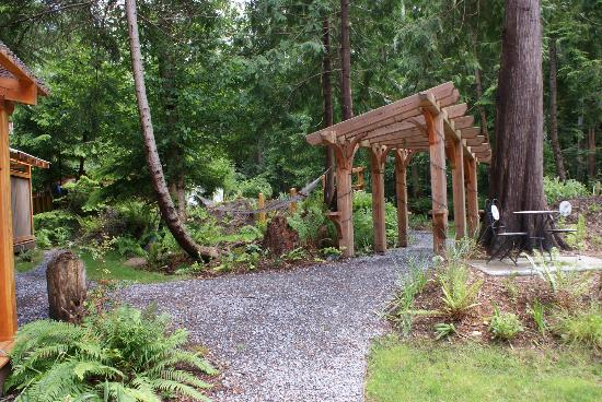 The Savary Island Resort: Wonderful way to get into the resort