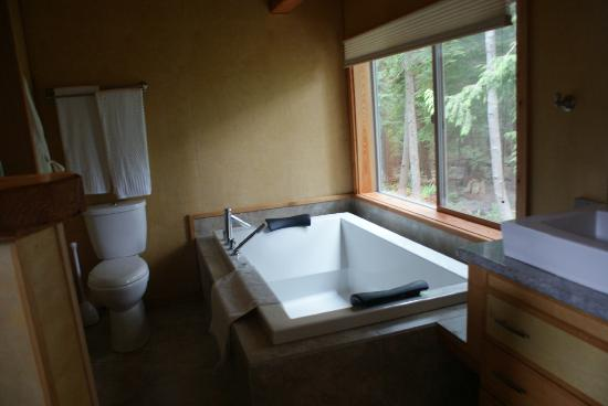 Savary Island, Canada: Wonderful tub