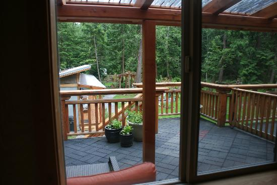 The Savary Island Resort: Balcony