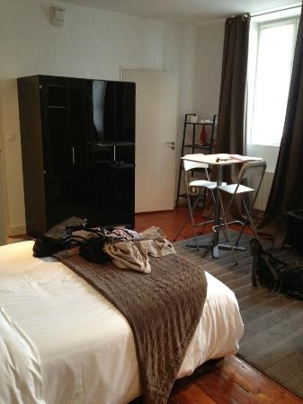 Studio suite at L&#39;Hotel Particulier, Bordeaux (the kitchen is inside the wardrobe)