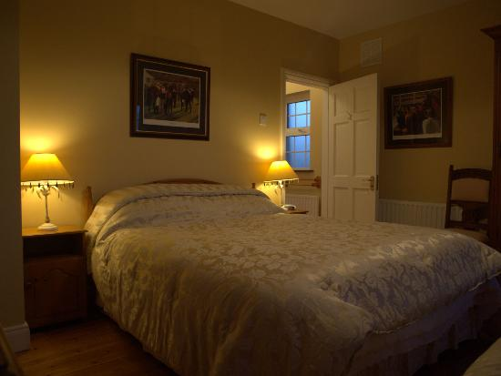 Barker House B & B: Typical bedroom