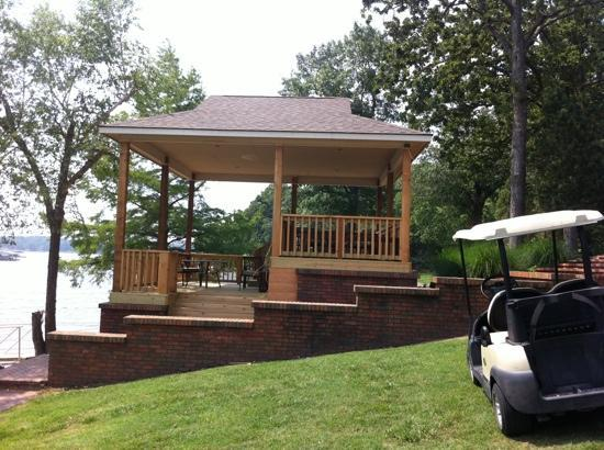 Candlewyck Cove Resort: Beautiful lakefront cabana