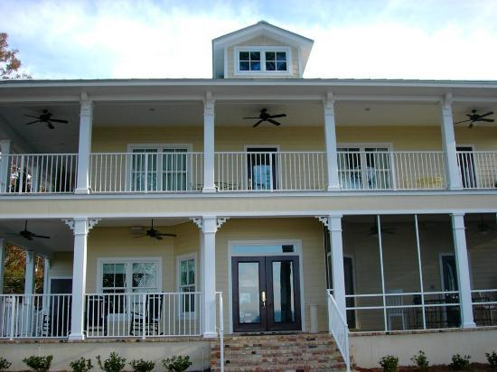 Emma's Bayhouse Bed & Breakfast