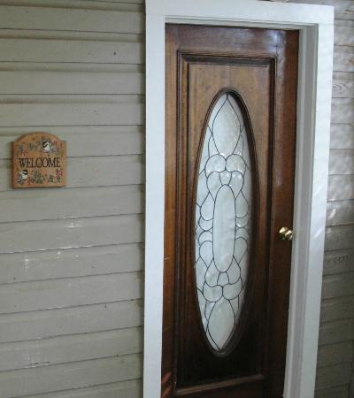 Charleston Inn: The door to our room