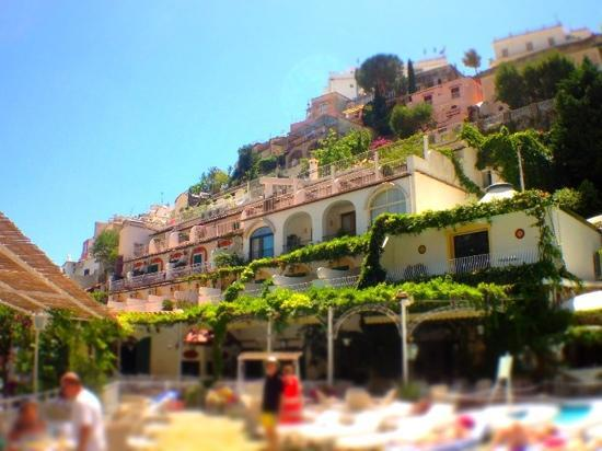 301 moved permanently for Hotels on the terrace