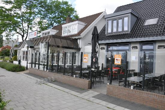 Hotel Herbergh Amsterdam Airport: View from the Street