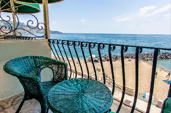 Photo of Hotel Tritone Giardini Naxos