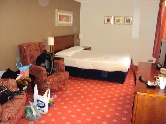 Travelodge Frimley: Excellent Large Family Room.