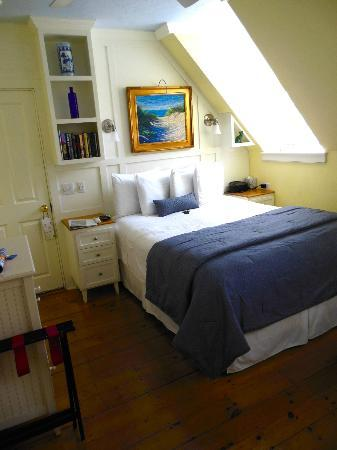 Admiral's Landing: Our Cozy room n°5