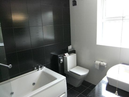Malone Lodge Hotel & Apartments: Executive En Suite