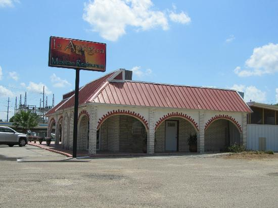 Port Lavaca, TX: Photo of the outside of their building