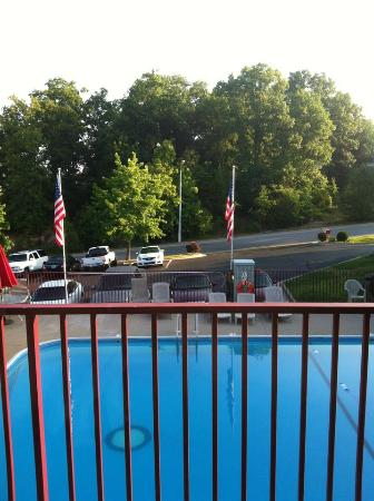 Branson Yellow Rose Inn and Suites: Pool