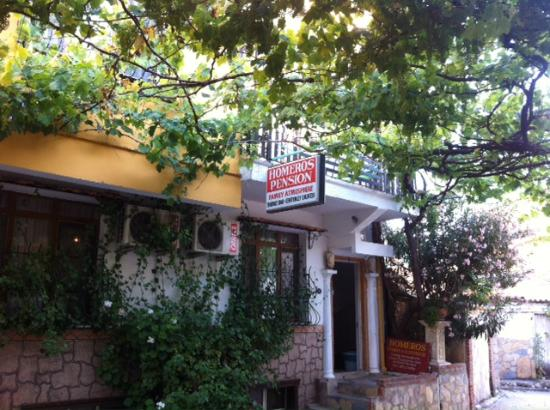 Homeros Pension & Guesthouse: Outside Homeros Pension