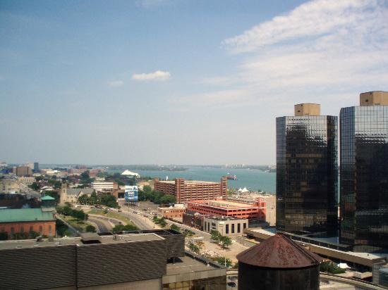 Courtyard by Marriott Detroit Downtown: view from east side of bldg