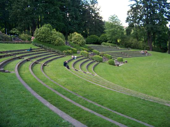 outdoor theater and sitting area - Picture of ...