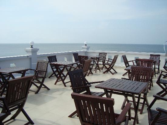 Hotel Sea Breeze: roofterrace