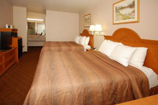 BEST WESTERN Smithfield Inn: Double Guest Room