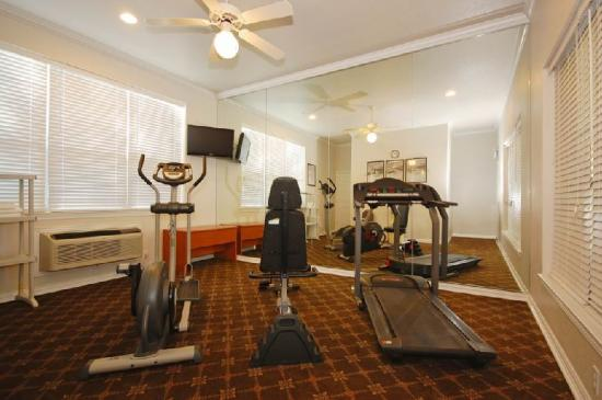 BEST WESTERN Smithfield Inn: Fitness Room