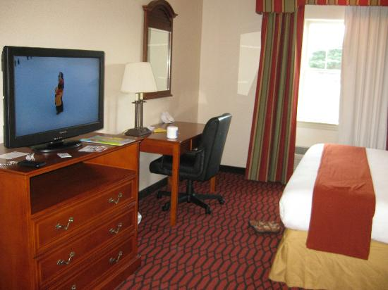 Holiday Inn Express Lancaster-Rockvale Outlets: Clean Guest Rooms