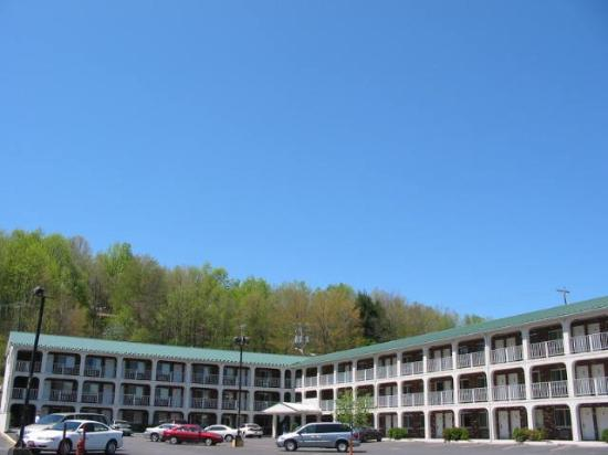 Summersville Lake Inn