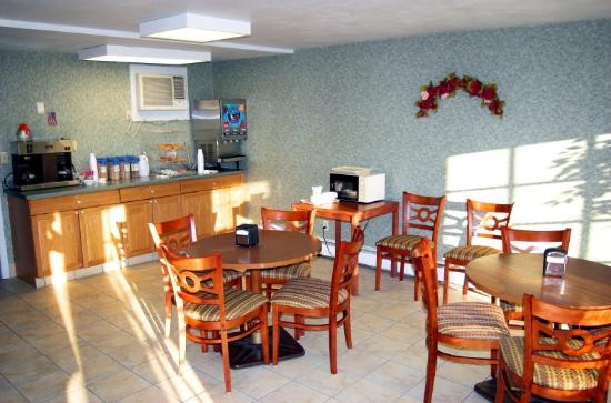 BEST WESTERN Plantation Inn: Breakfast Area